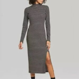 STRIPED BLACK AND WHITE SWEATER DRESS SIZE SMALL